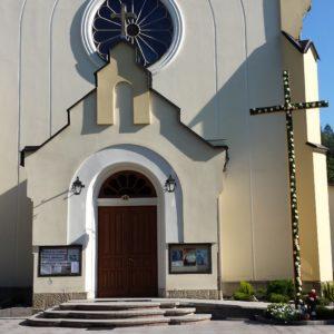 Kościół 2 003